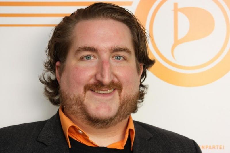 Politischer Aktivist versus Politischer Geschäftsführer in der #Piratenpartei Hessen – warum ich vom Amt des PolGF zurücktrat